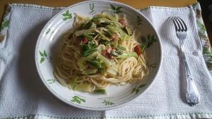 ブロッコリーの茎パスタ